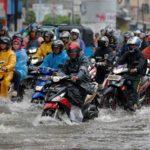 Tips Berkendara Saat Musim Hujan